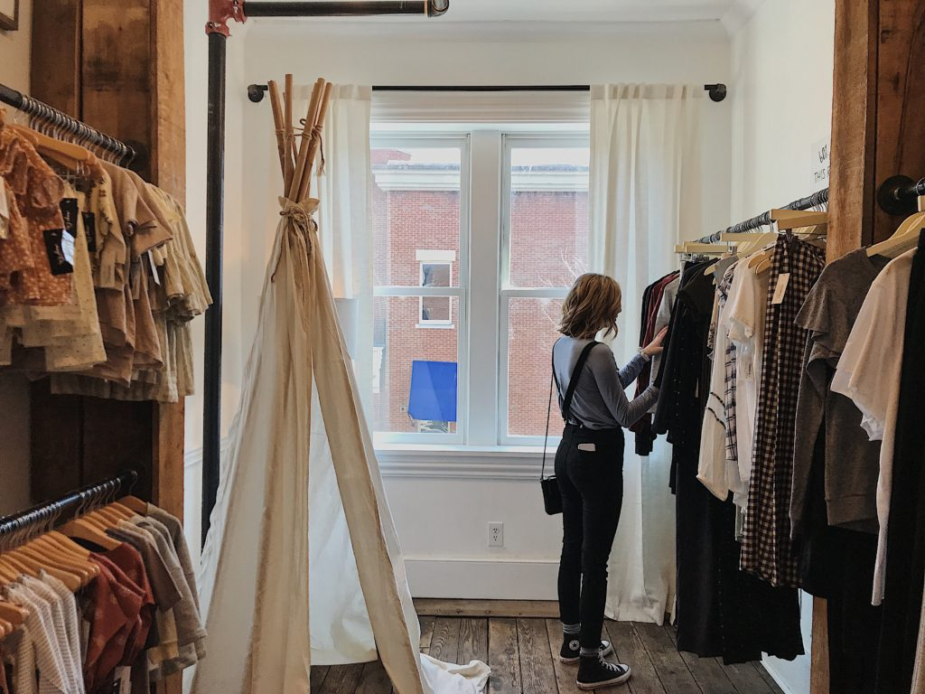 Pop-up shop for seasonality